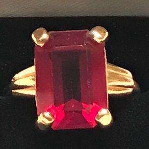 Sz 8 Ruby Ring